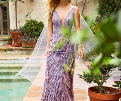 Como combinar tu vestido morado de boda