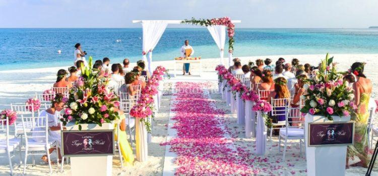 Como vestir en las bodas de playa