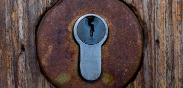 ¿Qué hacer ante una cerradura atascada?