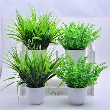 ideas de decoración con plantas artificiales de plástico