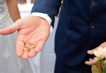 Alianzas de bodas: el símbolo de unión para toda la eternidad