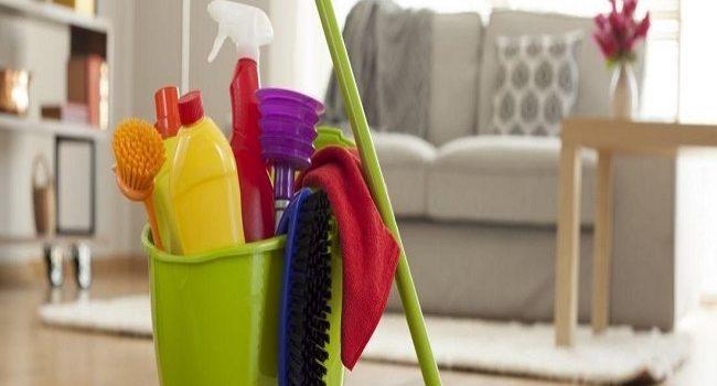 Prepara limpiadores de bricolaje y descontamina tu hogar