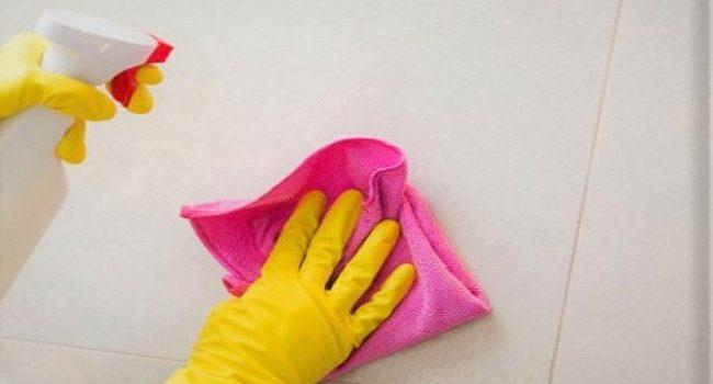 Cómo eliminar las marcas de roce de las paredes y los pisos