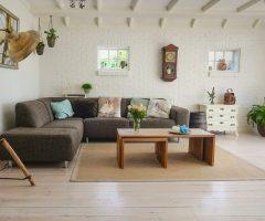 Tips para elegir el mejor suelo de madera laminada o baldosas con aspecto de madera