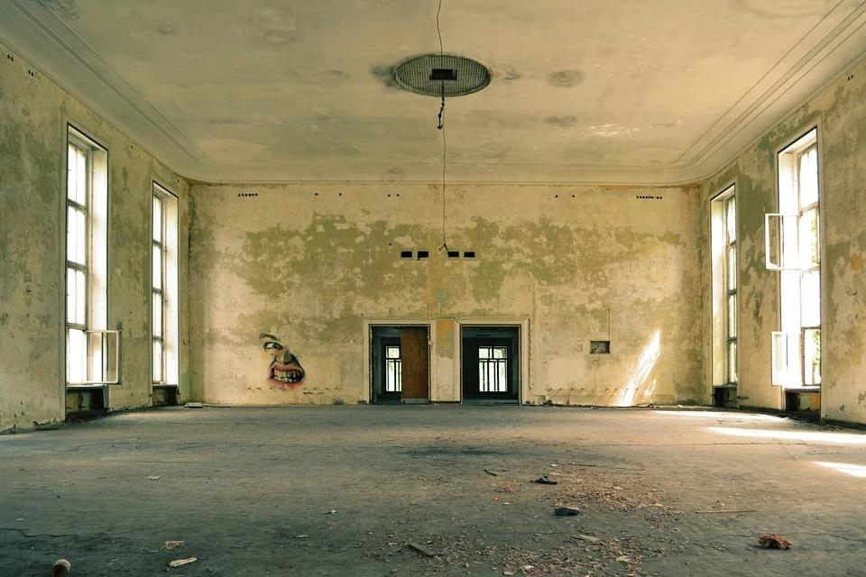 grietas entre paredes-