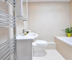 Cómo decorar un baño alargado